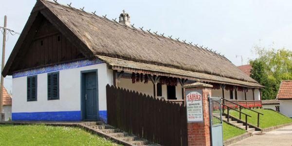 Népművészeti Tájház